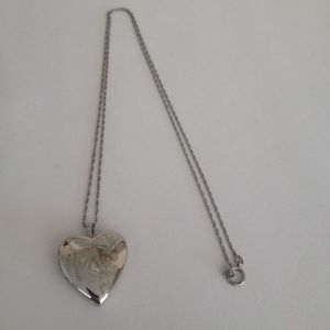 Jewelry - Sterling Silver Mom Heart Locket on Sterling Chain